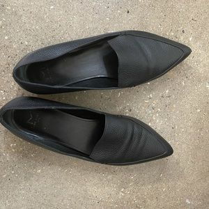 Marc Fisher Zurri Pointy Toe Loafer used once 8.5